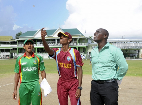 Coin Toss At ODI 2, 2013