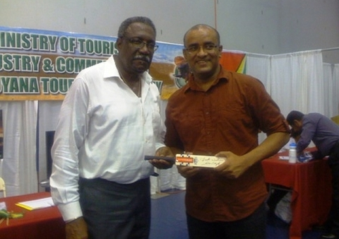 Lloyd, Jagdeo At Expo, 2013