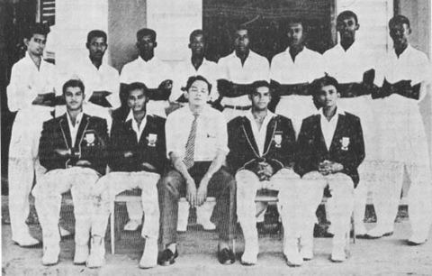 QC Cricket Team, 1960-1961