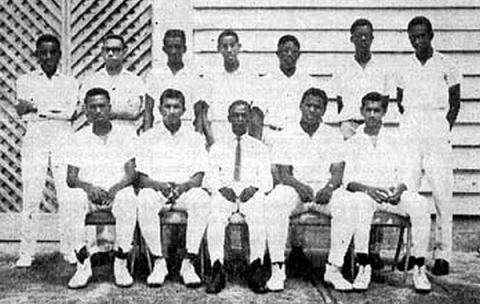 QC Cricket Team, 1964-1965