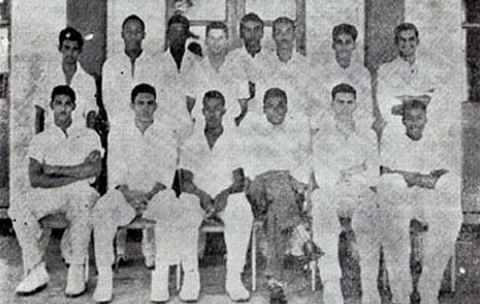 QC Cricket Team, 1958-1959