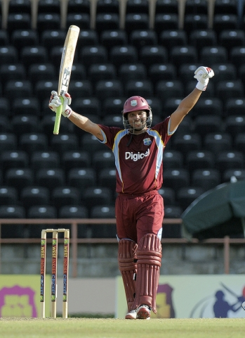 Sarwan Reaches 100 v Zim, 2013