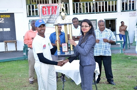 Demerara Collects U-19 LO Trophy, 2013