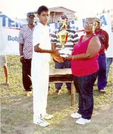 RHT Receives 2009 Telenec Trophy